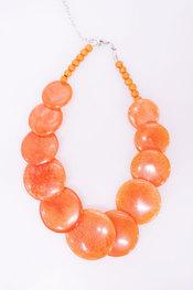 Halsketting van het merk Garde-robe in het Oranje