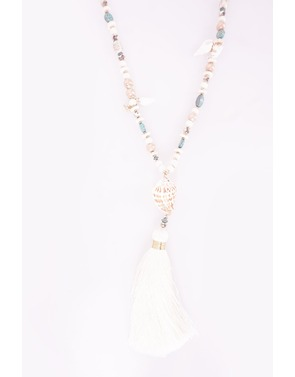 Halsketting van het merk Garde-robe in het Ecru