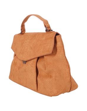 Handtassen van het merk Soya in het Oker