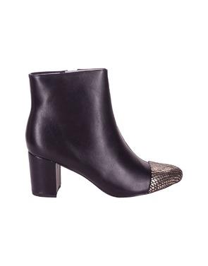 Garde-robe - Korte Laarzen - Zwart-goud