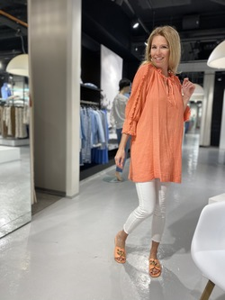 Orange with a touch of beige - 13