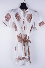 Garde-robe - Halflang Kleedje - Wit-bruin