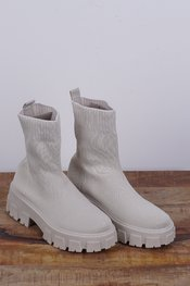 Garde-robe - Sneakers - Ecru